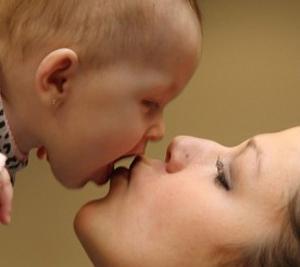 половина детей в возрасте до 3-х лет инфицируются цитомегаловирусами